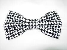 """Houndstooth Bow tie / Black and White 1/4"""" Houndstooth / Pre-tied Bow tie"""