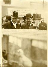 """""""Paul DOUMER à l'EXPOSITION D'AVICULTURE 1932"""" Photo origin. G. DEVRED  Agce ROL"""
