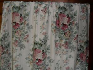 Vintage French pair curtains,coton.Flowers.