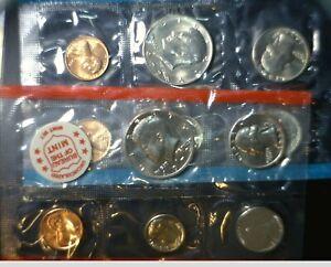 1972 US Mint Set CH BU LOT of 11 p & d Coins in Original Gov Cello & Envelope NR