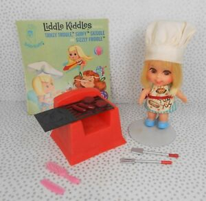 Vintage Liddle Kiddles 1960's #3513 SIZZLY FRIDDLE Complete w/Acces. and Booklet
