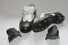 Paire de chaussures de golf vintage