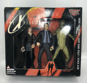 McFarlane Toys The X-Files Agent Fox Mulder Agent Dana Scully Attack Alien 1998