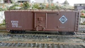 Athearn BB Erie DS Wood  40' Boxcar, Upgraded, Exc
