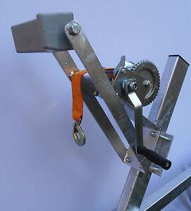 Windenstand mit Winde, Gurtwinde, Windenbock mit Bugpuffer für Bootstrailer
