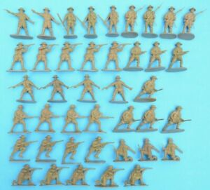 AIRFIX WWII GHURKAS / GURKHAS - 1/32 scale - 41 figures  - toy soldiers (F)