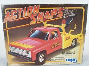 1981 MPC Road 'Recker Tow Truck Action Snaps 1:16 Model Kit # 1-3502 Parts Lot
