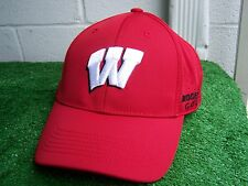 Bridgestone Golf Wisconsin Badgers Fitted One Fit Perforated Golf Hat Cap NEW