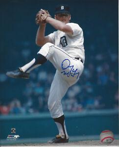 31 Game Winner Denny McLain autographed 8x10 color action photo