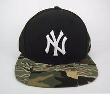 New Era Para hombre Verde Camuflaje Parche MLB NY Yankees Snapback Cap 950-Talla M/L