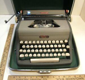 VINTAGE 1957 ROYAL ARISTOCRAT PORTABLE TYPEWRITER w/CASE 2 TONE GRAY RB3738839