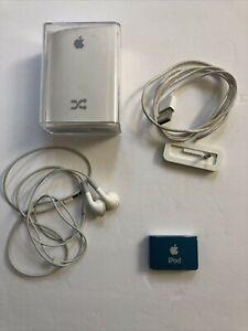 Apple iPod Shuffle(A1204) Bundle 2nd Gen 1GB Light Blue w/Charger & Headphones