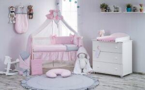 Babybett Tany mit 10-tlg Komplett-Set Bettwäsche Matratze Nestchen Rosa Grau Neu