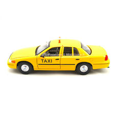 TAXI FORD CROWN VICTORIA NEW YORK CITY 1/24-27 WELLY