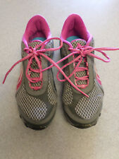PUMA Gray and Fushia Trail Running Shoes. Women's 8.5 (eur 39)