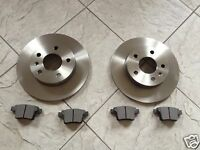 MONDEO MK 3  00-07 TWO REAR SOLID BRAKE DISCS & SQUARE OR ROUND EDGE BRAKE PADS