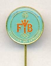 FIVB International VOLLEYBALL Federation COACHES COMMISSION pin BADGE rare