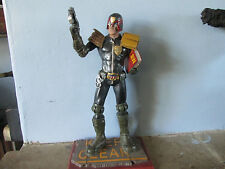 JUDGE DREDD  FIGURE  2000AD SERIES MUCKLE OXMOX Ltd Ed.VERY RARE