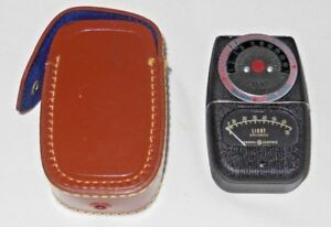 General Electric Type DW-68 Exposure Meter with Case