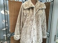 DENNIS BASSO BLOND ANIMAL PRINT SOFT CUDDLY COAT  SIZE XS ( SIZE 10/12 UK )