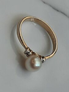 14ct gold pearl and diamond ring
