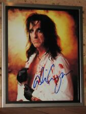 """ALICE COOPER - HAND SIGNED - 8"""" X 10"""" COLOUR PHOTO - FRAME NOT INCLUDED"""