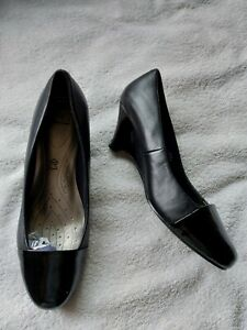 Footglove Wider Fit Ladies Black Leather Court Shoes Wedge Heels Size 4.5