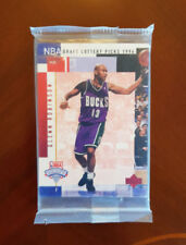 Not Autographed Basketball Trading Cards Set 1994-95 Season