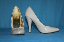 Escarpins CHARLOTTE RUSSE Cuir Synthétique  Beige T 37 BE