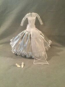 2008 HOLIDAY SILVER WHITE SNOWFLAKE EVENING GOWN DRESS BARBIE NEW DEBOXED RARE