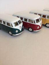 Kinsmart 1962 VW Volkswagen Classic Bus 1:32