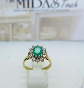 9ct yellow gold green agate and cubic zirconia cluster ring size P1/2 375