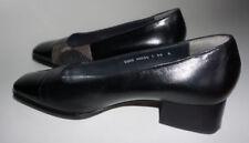 Rutschfeste Damen-Pumps mit normaler Weite (F) mit kleinem Absatz (kleiner als 3 cm)