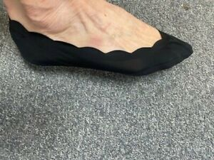 Ladies/Girls Black Scallop Edge Footsie with Cotton Sole & Silicon stay put heel