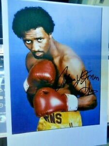 THOMAS  HEARNS  -  PROFESSIONAL  BOXER -- AUTOGRAPHED  PHOTO