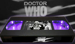 Doctor Who - 1st Doctor 1963 William Hartnell - Retro VHS Lamp +Remote Control