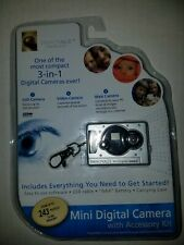 NEW SEALED Innovage Mini Digital Camera 3-in-1 Keychain with Accessories WhiteC5