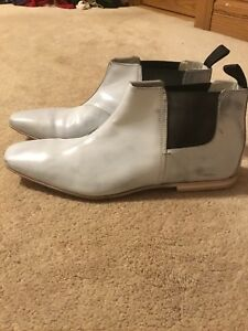 Hugo Boss Italy Made Mens 10US/43EU, Short Light gray leather Ankle Dress Boots