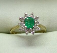 Very Nice 9 Carat Gold Emerald And Cubic Zirconia Cluster Ring Size J.1/2