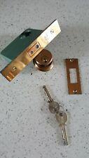 Yale door cylinder mortice lock in brass with keys. Unused