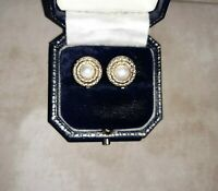 VINTAGE EARRING CLIP ON 60/70s Gold Tone FAUX PEARL Round Stud RETRO Classic.