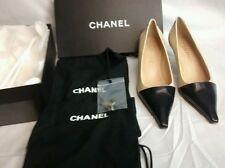 Vtg. Classy CHANEL cream black spectator heels  pointed toe pump size   39 1/2