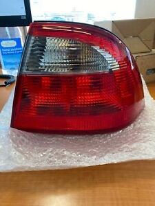 New OEM SAAB 9-5 4 Door 2002-2005 Rear Tail Lamp RH Outside 5142203 32017837