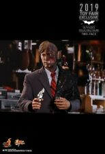 Hot Toys Two Face / Harvey Dent 2.0 2019 Toy Fair Exclusive