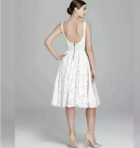 Alice & Olivia stunning Bloomingdales ivory lace party/wedding dress  - size 8