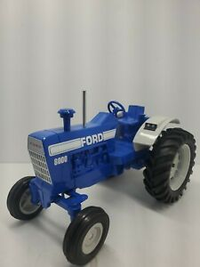 FORD 8000 1/16 Tractor Lemars NIB
