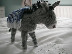 NEW Made in Uk Hand Knitted Nativity Little Donkey Grey ~ 6 in tall x 8 in long