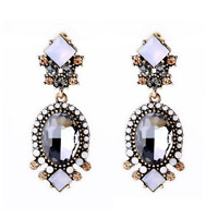 1Pair Elegant Women White Resin Gray Crystal Ear Stud Eardrop Earring Jewelry