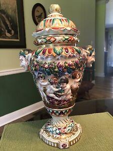 VINTAGE CAPODIMONTE ITALY MAJOLICA BACCHUS DIONYSUS CHERUBS CENTAURS LAMP BASE