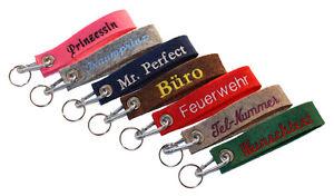 Schlüsselanhänger aus Filz und Karabinerhaken  mit Namen/Wunschtext bestickt -